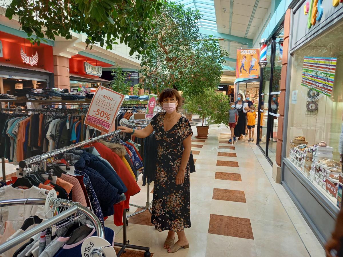19-07-21 : Anne, présidente de l'association des commerçants de la galerie Bonne Source Carrefour à Narbonne